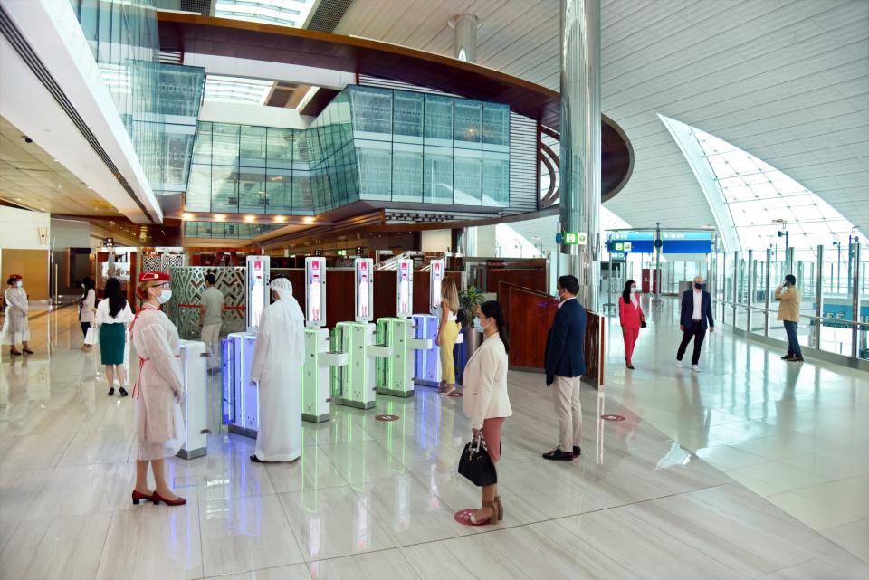 طيران الإمارات تستأنف تقديم الخدمات الأرضية المتميزة لركاب الأولى ورجال الأعمال