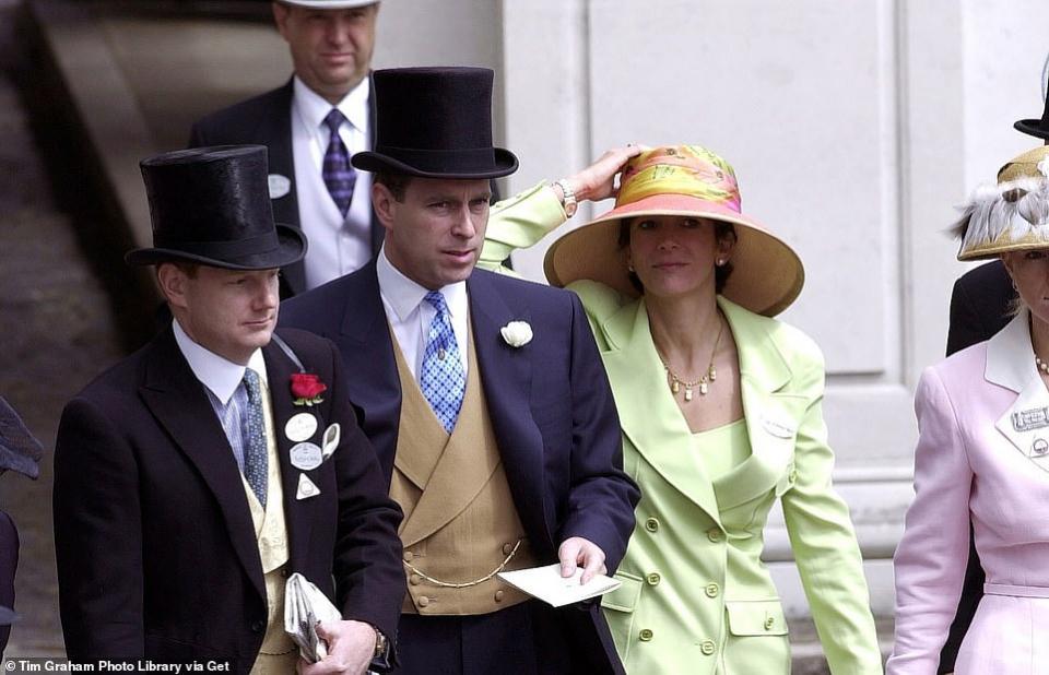 ذعر في العائلة الملكية البريطانية من صفقة متوقعة مع ماكسويل لقاء إفشاءها كل شيء لقاء تخفيف عقوبتها