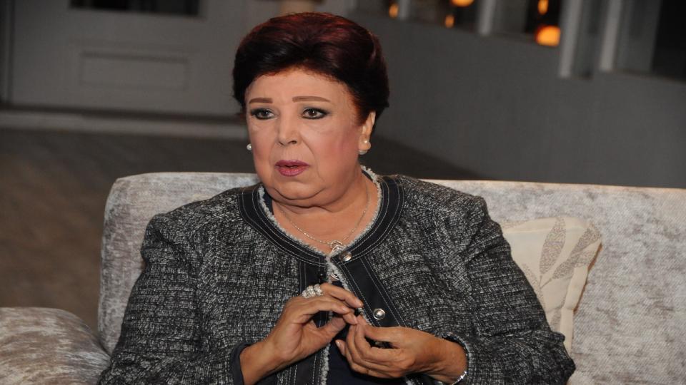 وفاة الفنانة المصرية رجاء الجداوى بفيروس كورونا المستجد