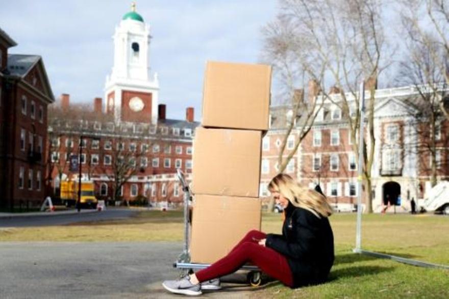 واشنطن ستلغي تأشيرات الطلاب المسجّلين في جامعات ستعتمد نظام التعليم عن بُعد