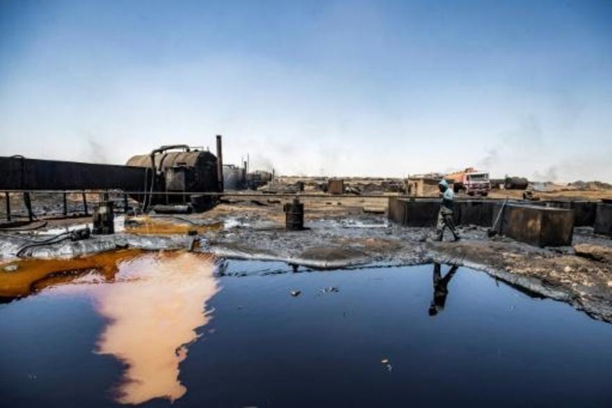 بقع نفط تتسرّب إلى نهر في شمال شرق سوريا وتضرّ بالمحاصيل والماشية