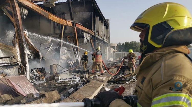 شركة توزيع الأزهار فلورشوب توقف عملياتها عقب حريق أتلف مستودعاتها في حديقة دبي للاستثمار