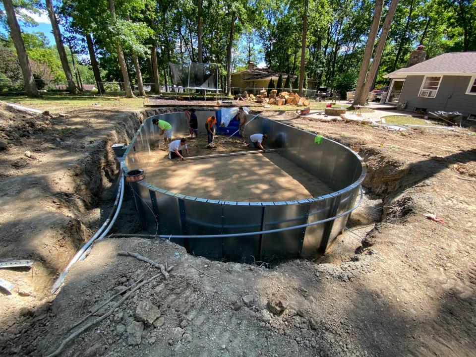 أحواض السباحة المنزلية تنتعش بفضل كورونا