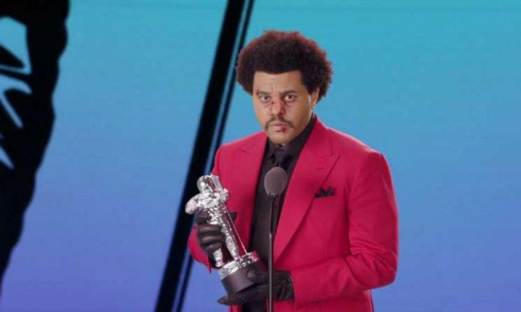 المغني الكندي ذا ويكند يفوز بجائزة إم.تي.في لأفضل فيديو خلال العام